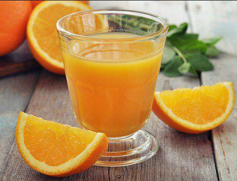 những lưu ý nếu bạn có thói quen uống cam hằng ngày
