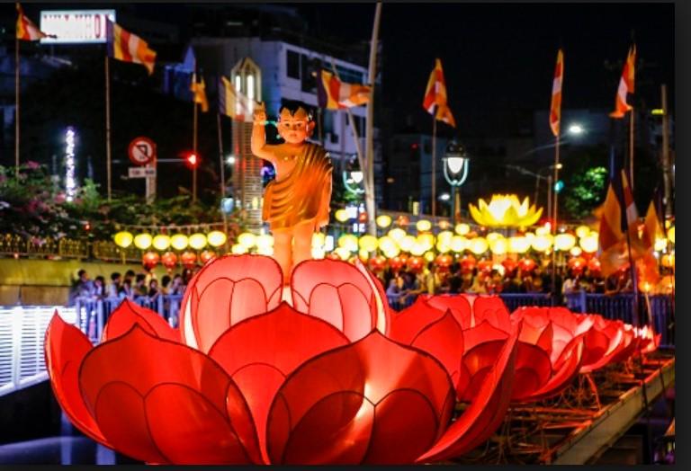 Đại Lễ Phật Đản mừng đức phật nhập thế