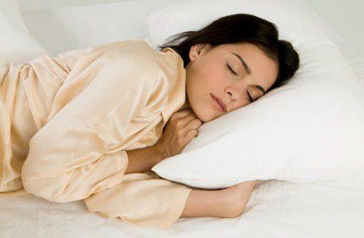 Mẹo nhỏ giúp bạn thức khuya nhưng vẫn giữ được sức khỏe - ảnh 1