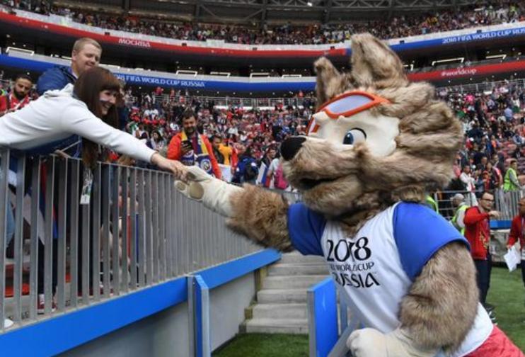 Trận khai mạc World Cup 2018 bắt đầu