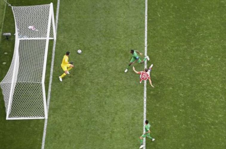 Nga ghi bàn thắng thứ ba