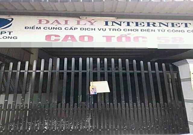 bật cười tấm biển treo trước cửa tiệm net
