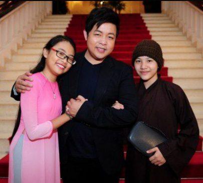 Con gái nuôi ca của sĩ Quang Lê bị đòi 300 triệu khi làm CMND ảnh 1