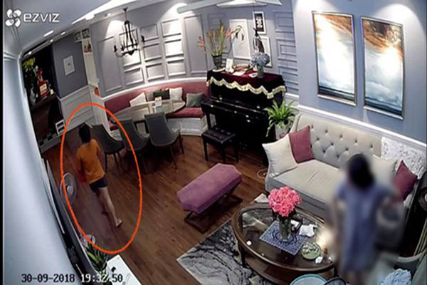 Nữ giúp việc biến mất, gia chủ mất đồng hồ Rolex hơn 200 triệu đồng...