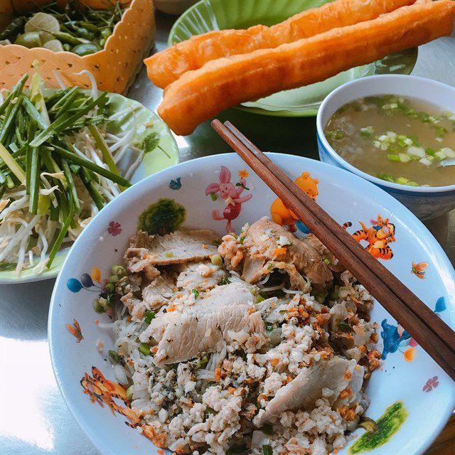 Những khu chợ ăn vặt ngon nhất Sài Gòn ảnh 1