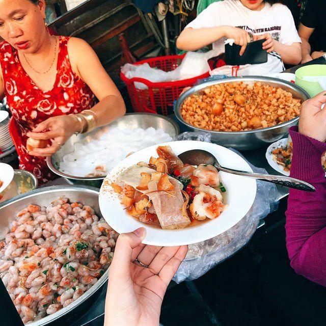 Những khu chợ ăn vặt ngon nhất Sài Gòn ảnh 2