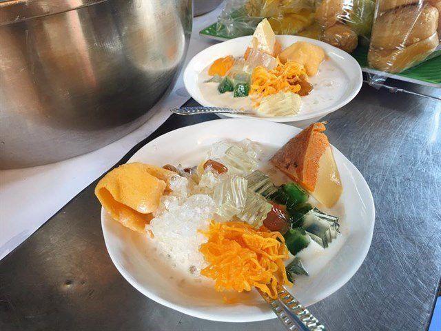 Những khu chợ ăn vặt ngon nhất Sài Gòn ảnh 8
