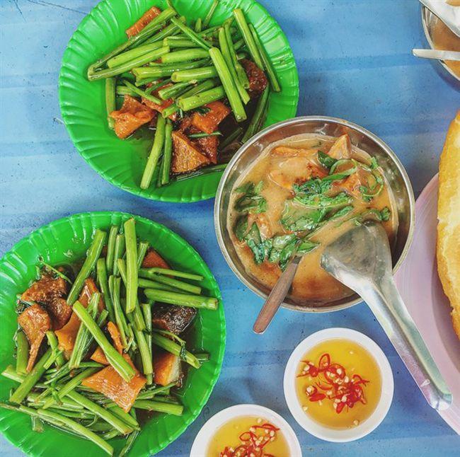 Những khu chợ ăn vặt ngon nhất Sài Gòn - chợ Bà Chiểu ảnh 3