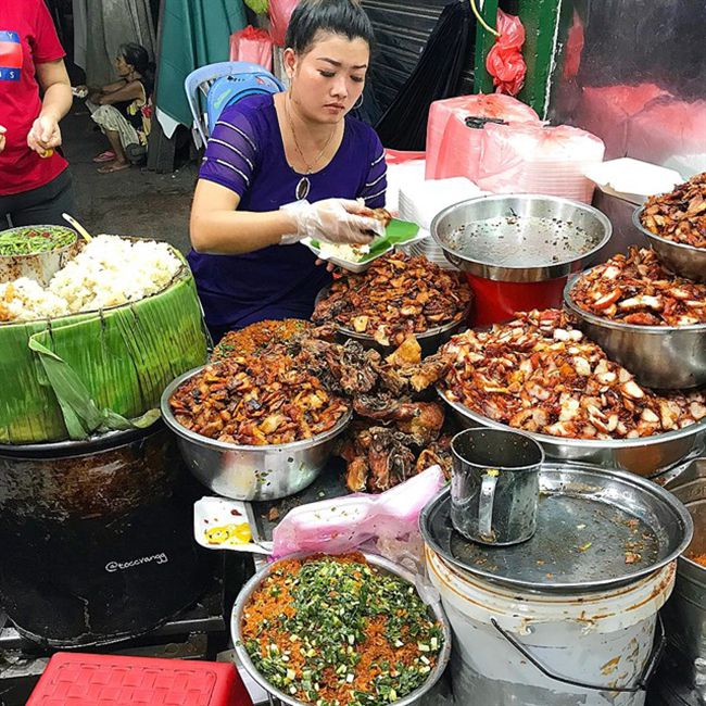 Những khu chợ ăn vặt ngon nhất Sài Gòn - chợ Bà Chiểu ảnh 4