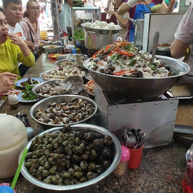 Những khu chợ ăn vặt ngon nhất Sài Gòn - chợ Bà Chiểu ảnh 7