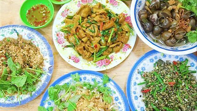 Những khu chợ ăn vặt ngon nhất Sài Gòn (chợ bà hoa quận tân bình) ảnh 2