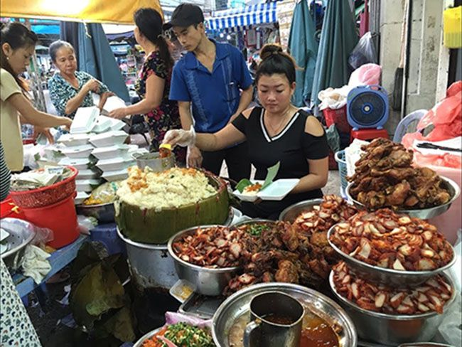 Những khu chợ ăn vặt ngon nhất Sài Gòn (chợ bà hoa quận tân bình) ảnh 4