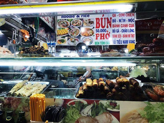 Những khu chợ ăn vặt ngon nhất Sài Gòn (chợ bến thành) ảnh 5