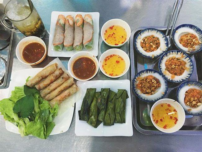 Những khu chợ ăn vặt ngon nhất Sài Gòn (chợ hạnh thông tây) ảnh 1