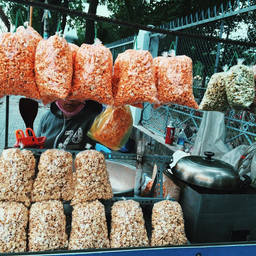 Những khu chợ ăn vặt ngon nhất Sài Gòn (chợ hạnh thông tây) ảnh 3