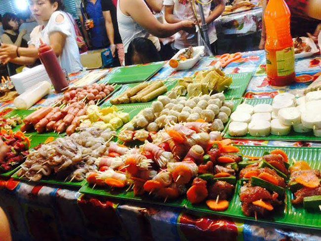 Những khu chợ ăn vặt ngon nhất Sài Gòn (chợ hạnh thông tây) ảnh 5